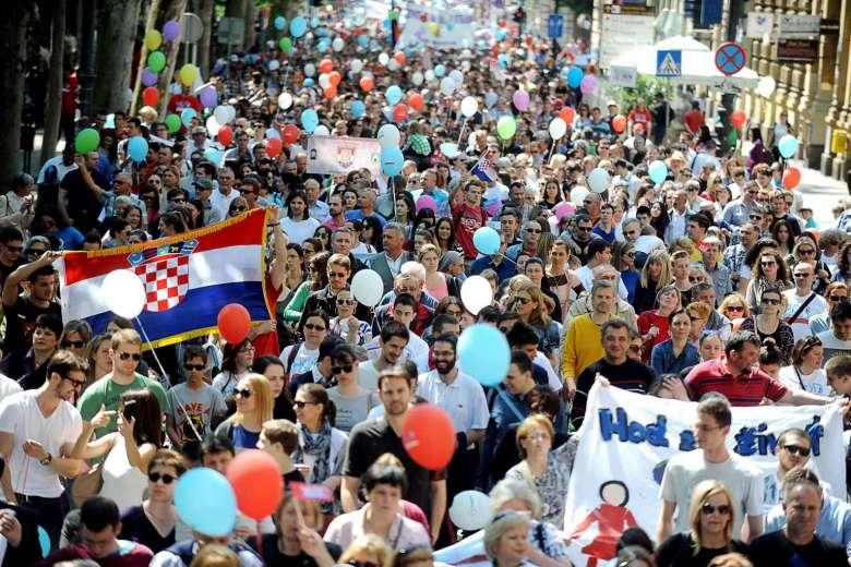 jt-38464272-croatia-abortion-demo-210516